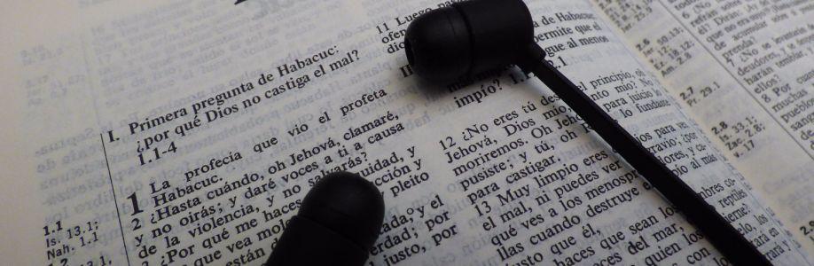 La biblia en Audio Hablado Cover Image