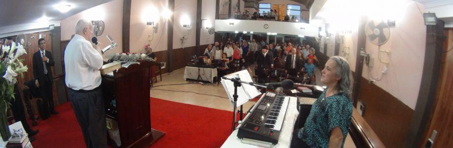 Iglesia evangelica pentecostal Cover Image